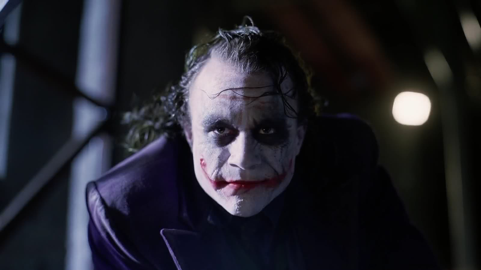 The 6 Best Scenes from 'The Dark Knight' – BREAKING GEEK Joker Face Upside Down