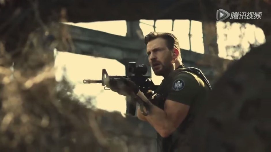Chris Evans Plays Call of Duty