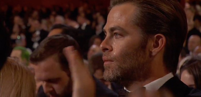 Chris Pine cries for no man! Except a single tear for Leonard Nimoy! (Okay, he's crying at the Oscars...)