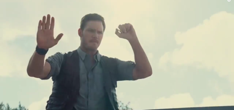 Pratt trains Jurassic world trailer 2