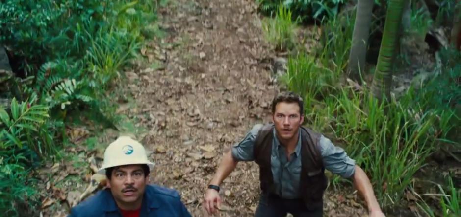 Scared of Indominus Rex Chris Pratt Jurassic World Trailer 2