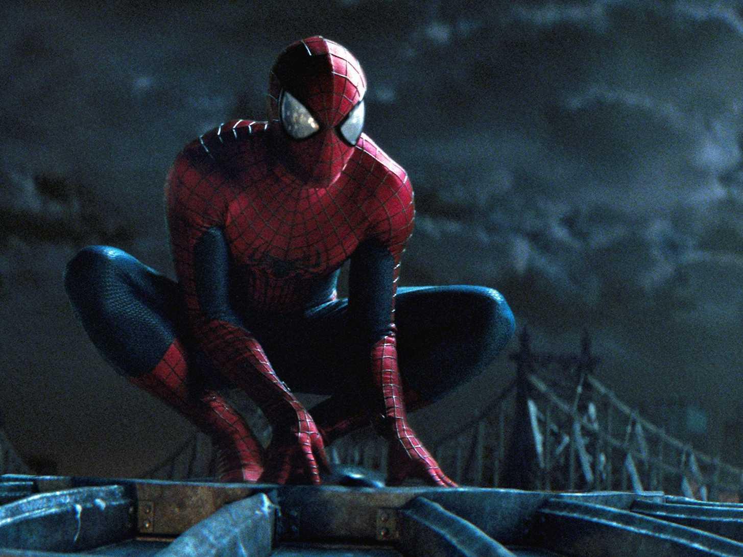 Spiderman Crouching On Building Wwwgalleryhipcom The
