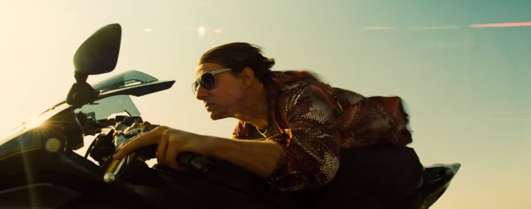 Tom Cruise Ethan Hunt Motorcycle Mission: Impossible - Rogue Nation