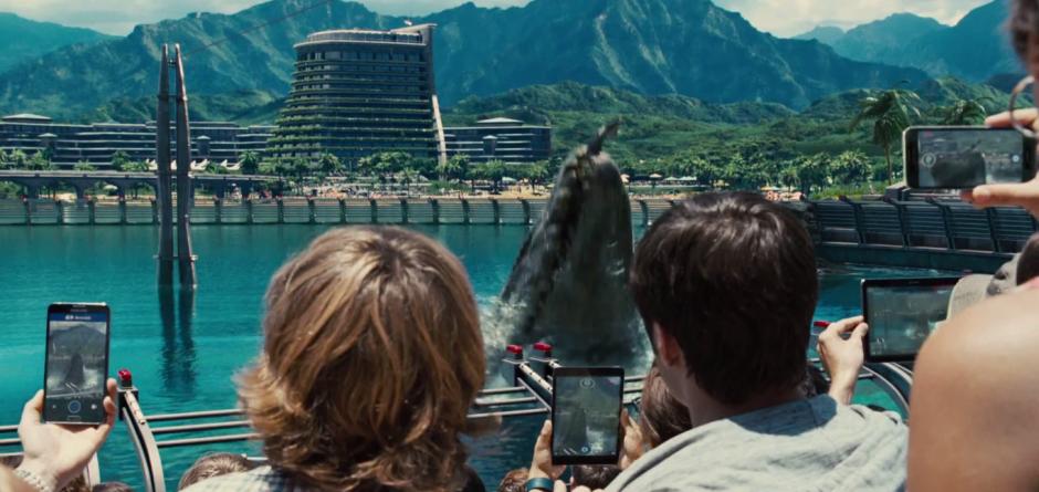 Jurassic World TV Spot Crowd with Phones