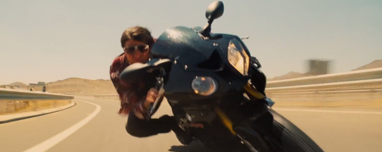 Hunt on Bike Tom Cruise Mission: Impossible - Rogue Nation