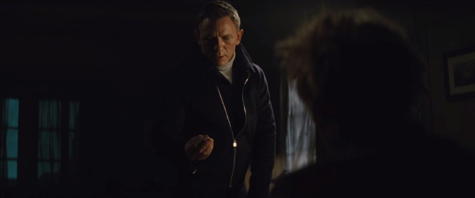 007 SPECTRE Trailer Bond Gives Ring to Mr. White