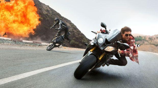 Ethan Hunt Tom Cruise Bike Crash Mission: Impossible - Rogue Nation