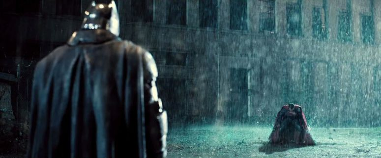 Batman faces Superman in Batman V Superman Dawn of Justice Trailer 1