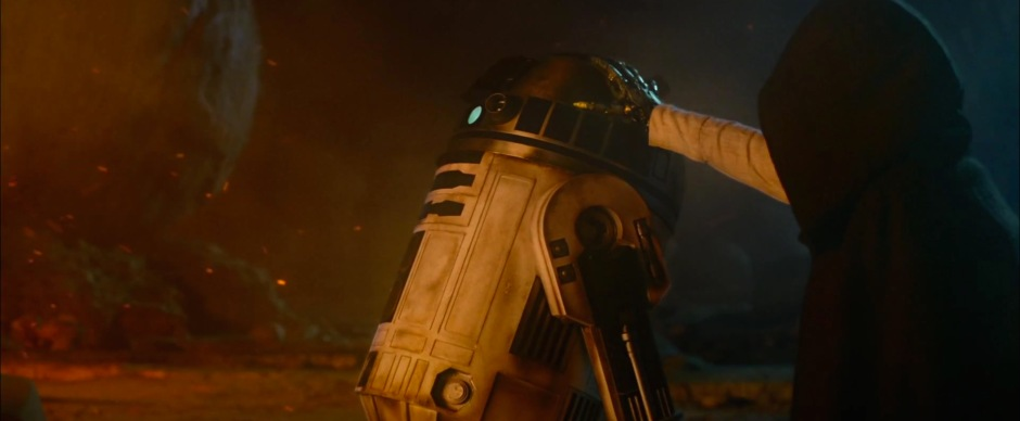 Star Wars: The Force Awakens Trailer 2 Luke and R2-D2