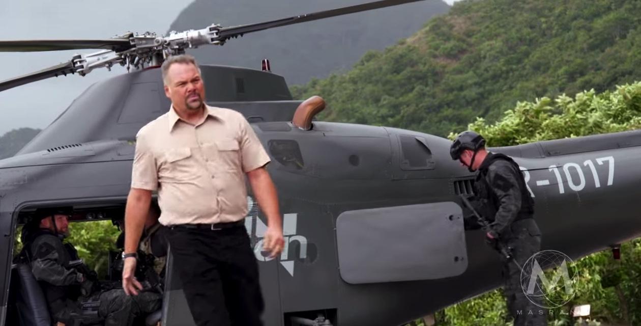 Jurassic World Ingen Helicopter Hoskins Vincent Dnofrio Explored Part Dua Breaking Geek