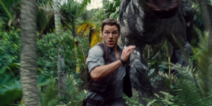 Chris Pratt Owen Grady Runs from Indominus Rex Jurassic World