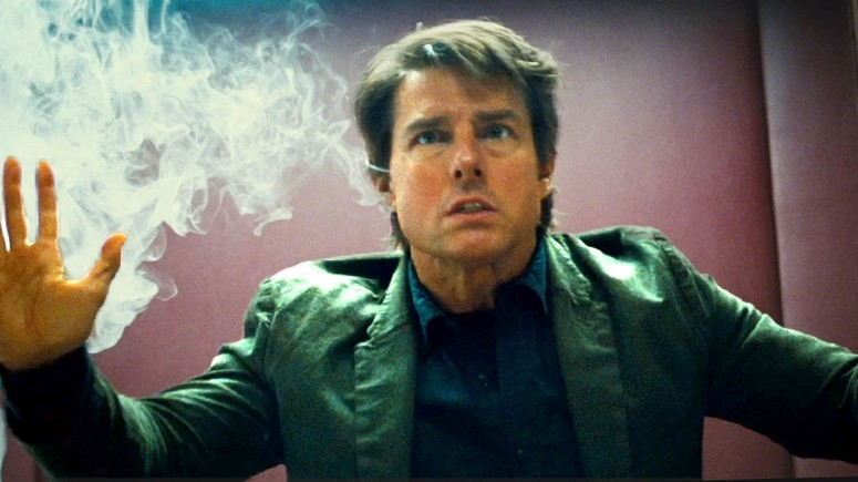 Mission Impossible Rogue Nation Tom Cruise Ethan Hunt In a Box