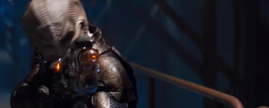 Star Trek Beyond Final Trailer 25 Alien with Super Gun