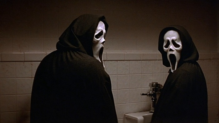 scream-2-ghostface-at-the-toilet